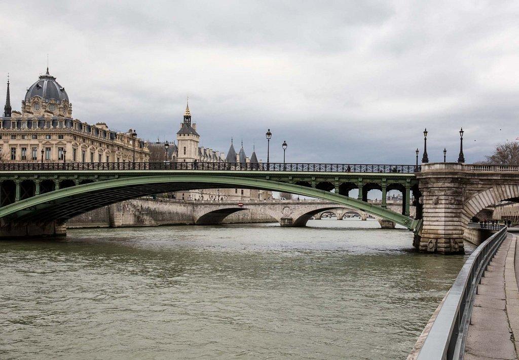 Paris - pont notre-dame